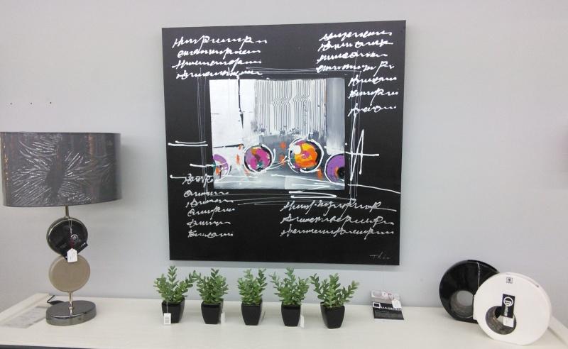 Tableau de peinture et objets de décoration