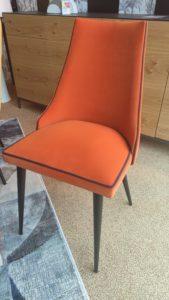Chaise pied métal